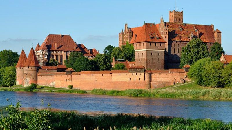 Замок Мариенбург /wikimedia.org