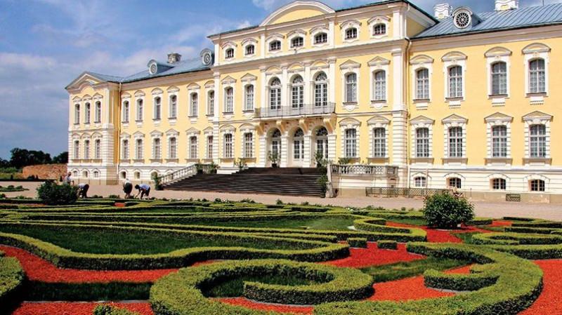 Рундальский дворец /riga-sightseeing.lv