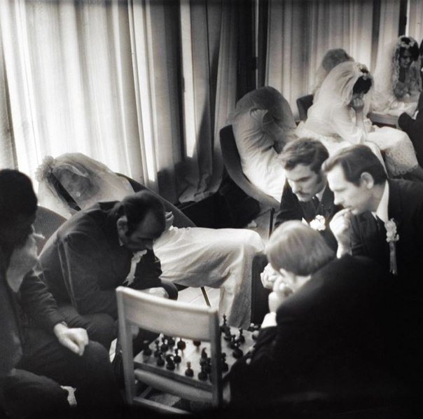 В приёмной отдела ЗАГС. Таллин, СССР. 1973 год
