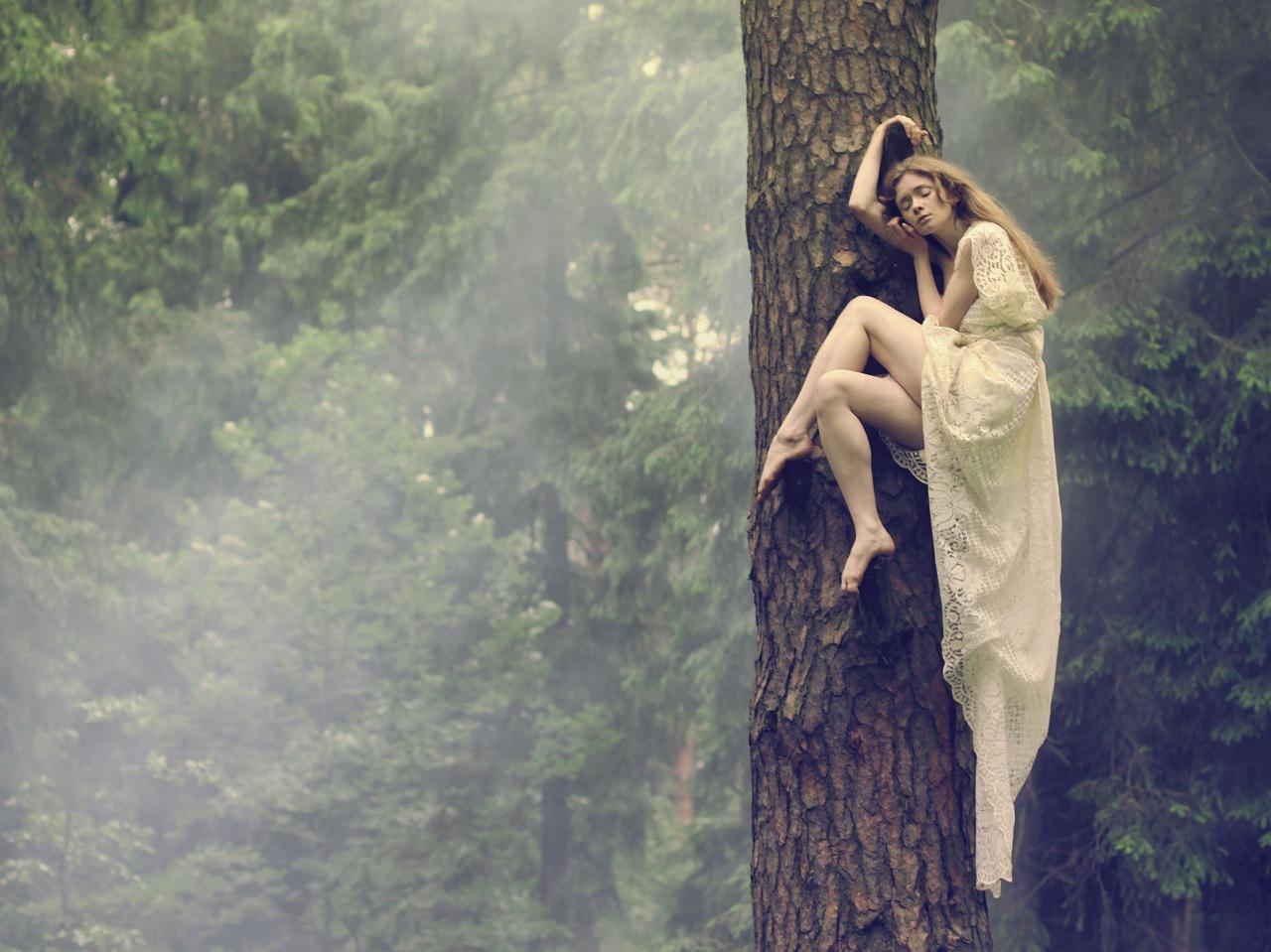 Прижался к девушке в лесу рассказ 14 фотография