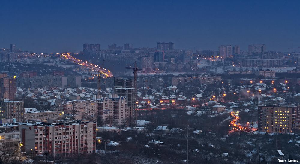 В полумраке голубого города