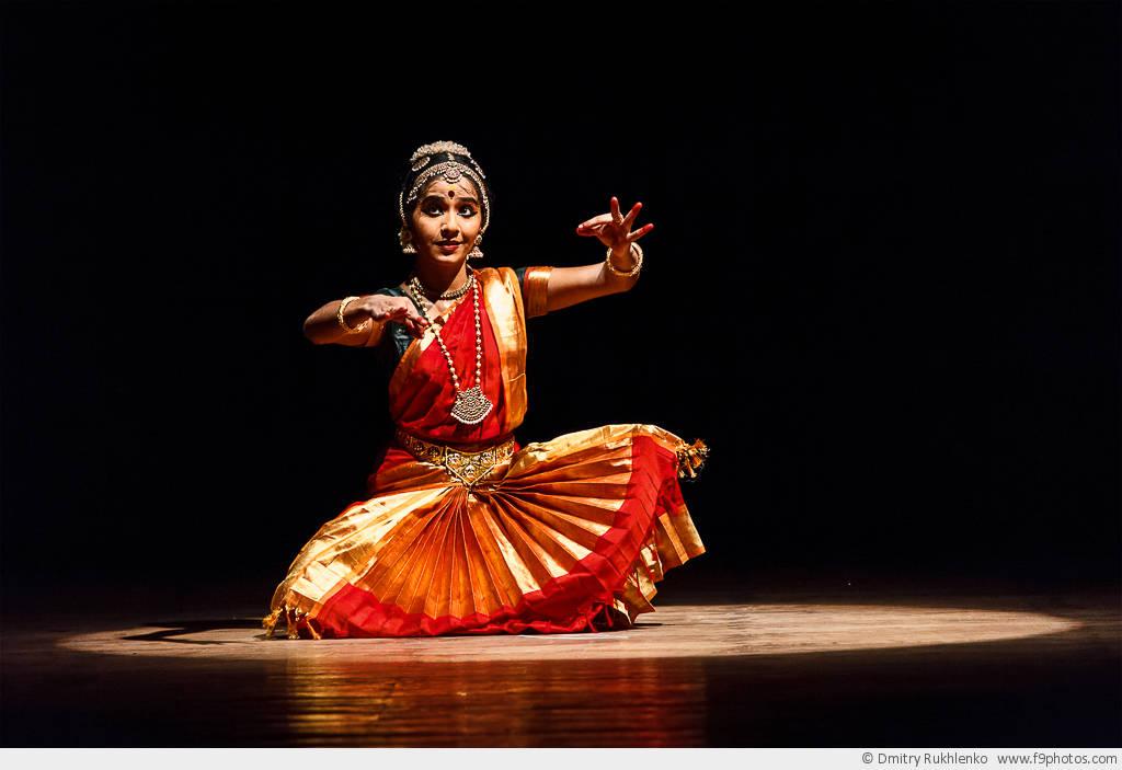 Открытка танцовщица в прозе индийского классического танца бхаратанатьям цена, для любимого картинки