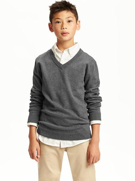 on_v-neck_uniform_sweater_for_boys.jpg