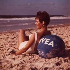 NIVEA-advertisement-poster-1964-Beiersdorf