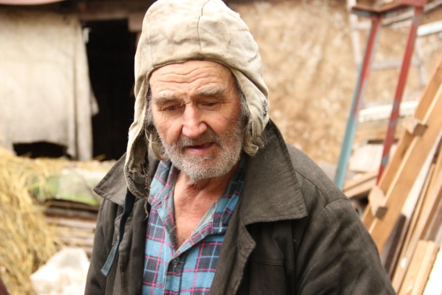 Дед Вася тяжело переживает потерю своей любимицы