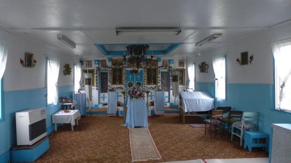 Внутри православной церкви в Первилле