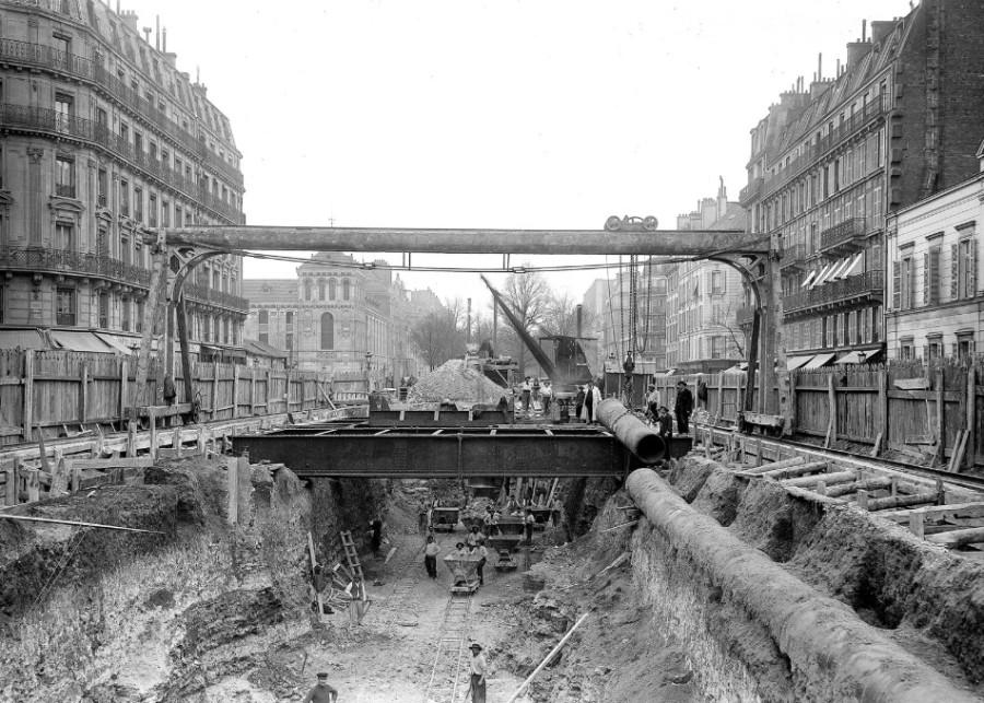 Paris, France — 1902.jpg