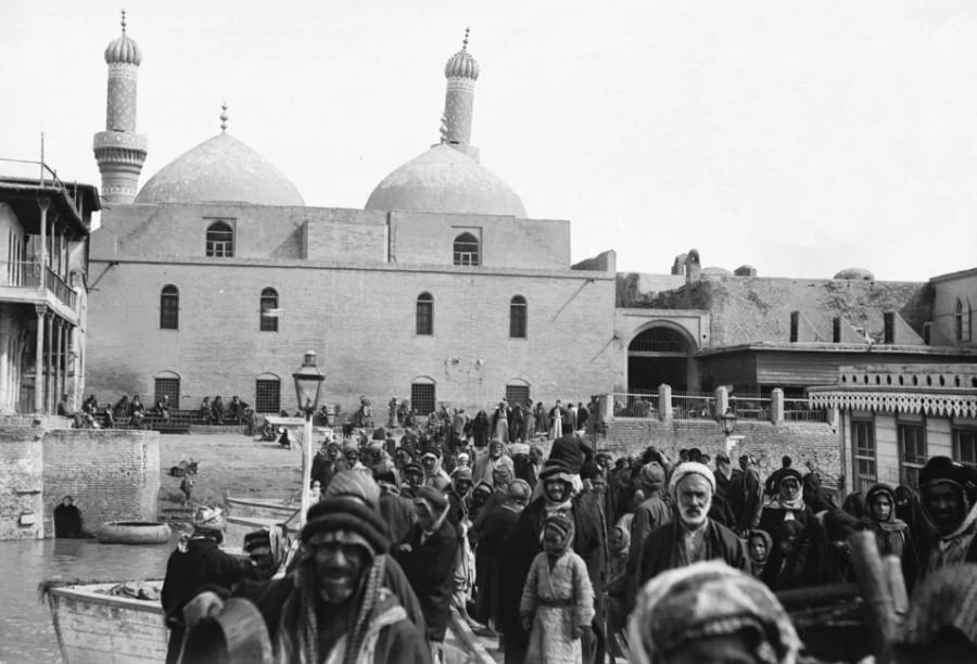 Baghdad, Iraq — circa 1909.jpg