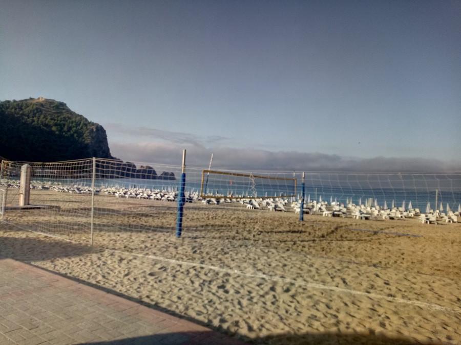 А в Турции тоже пустые пляжи и туристов нет!