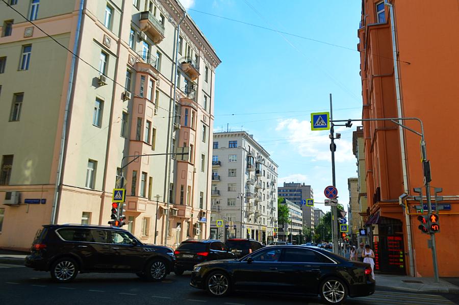 Москва, как она есть. Улица Чаянова жилой, кирпичный, Построен, постройки, Чаянова, Жилой, годах, называлась, проекту, Построено, стиле, Миусская, индивидуальному, Раньше, честь, Миусской, здание, трёхподъездный, конструктивизма, композитор