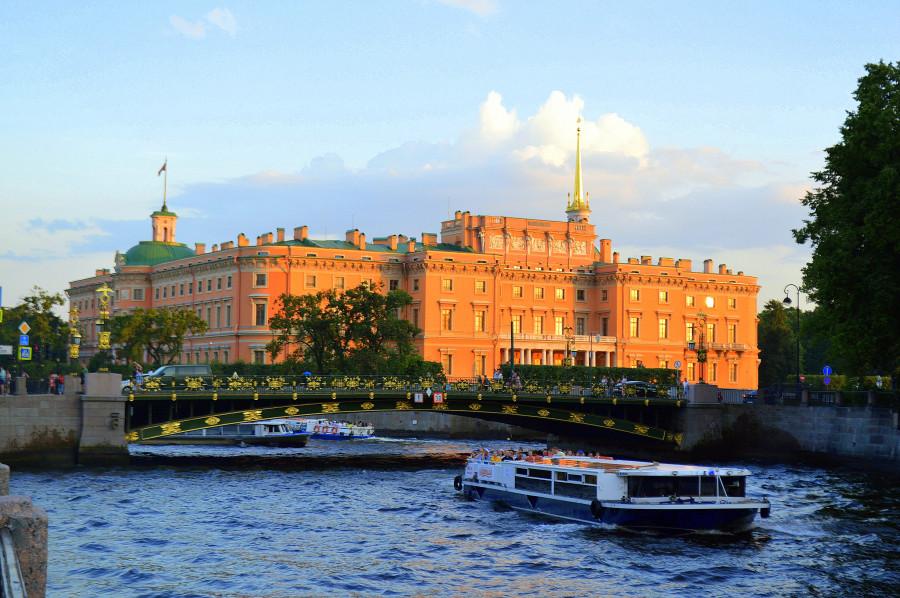 Прогулка по Санкт-Петербургу. Вы только посмотрите на это!