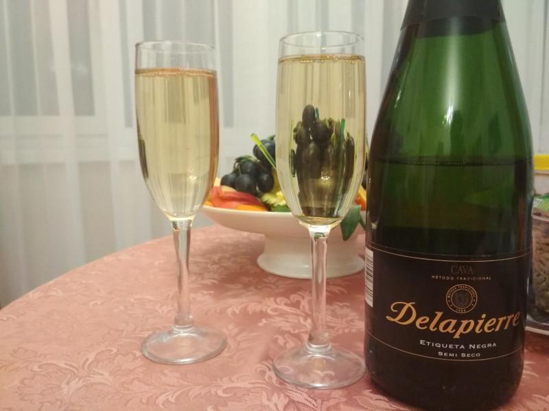 Игристое вино Delapierre Etiqueta Negra Semi Seco