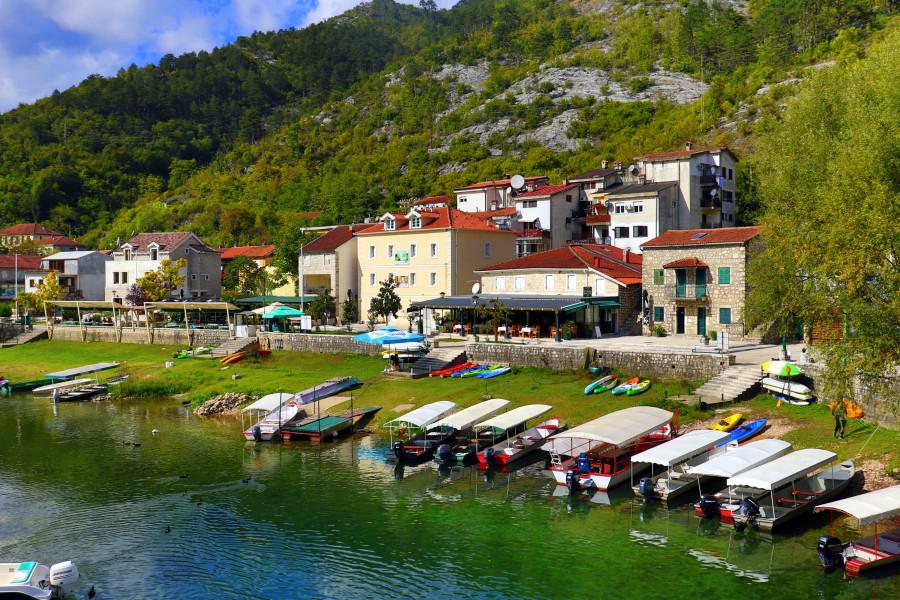 Поселок Риека Црноевича - черногорская Венеция