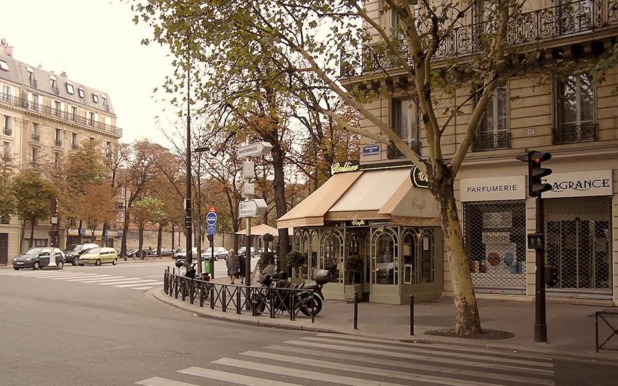 Знакомая вернулась из Парижа. Стоит ли ехать туда жить?
