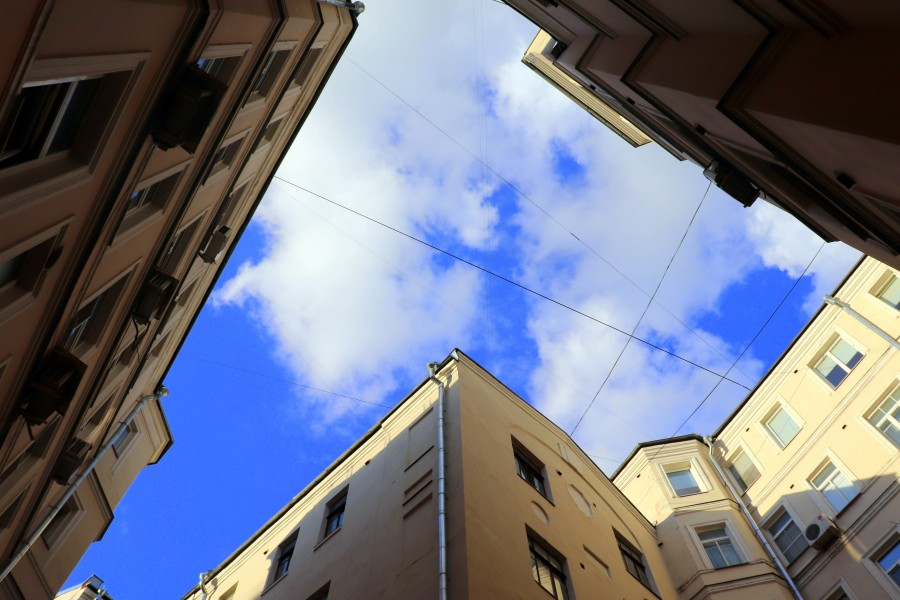Московские дворы-колодцы