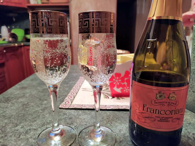 Игристое вино Francoriani Bianco Semi-Sweet