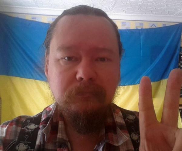 Дорогие украинские друзья! - пишет Вологжанин. С праздником вас! З Днем прапора! Мужества и сил! У вас всё получится. Я верю.