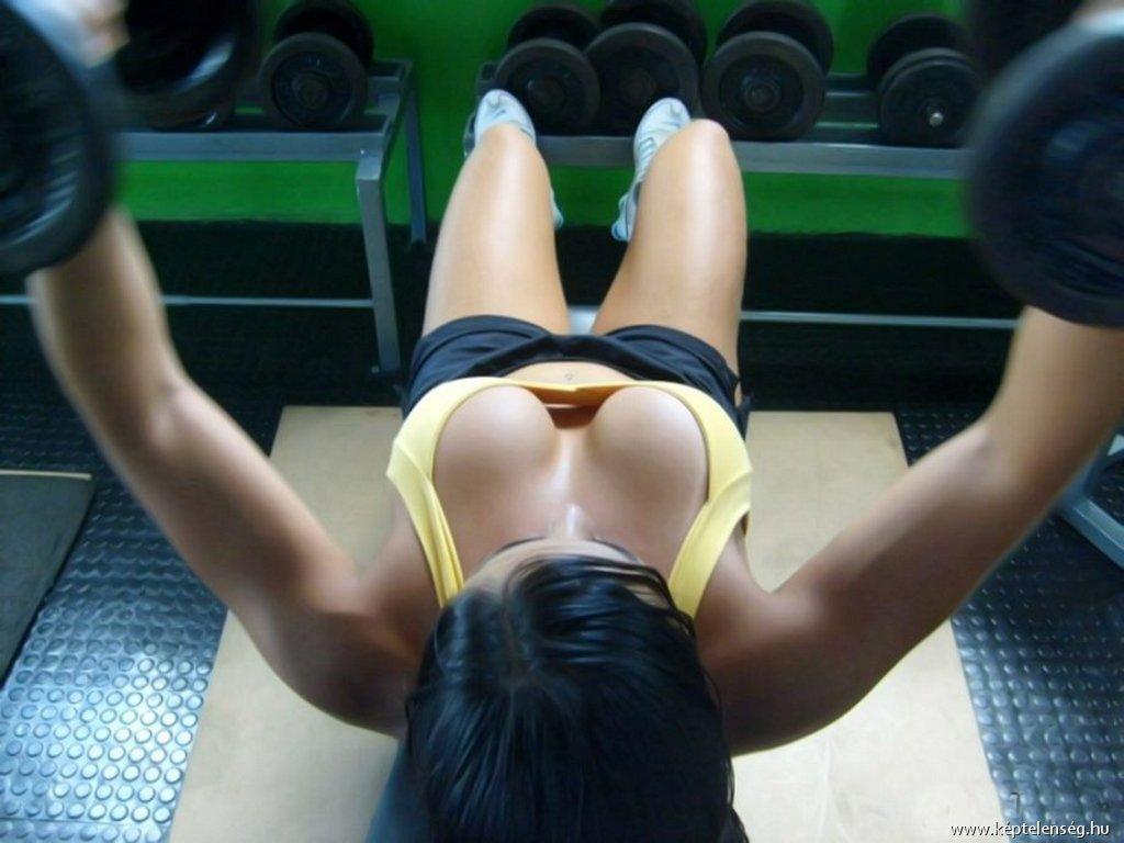 Русская девочка дрочит свою попку 1 фотография