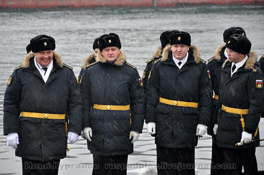 На большой подводной лодке Б-268 «Великий Новгород» проекта 636.3 поднят Андреевский флаг