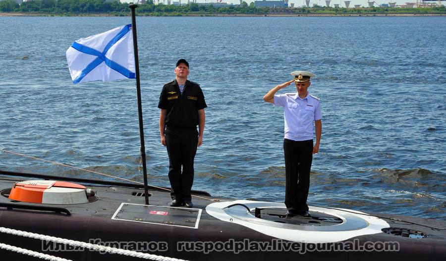 освятили подводную лодку