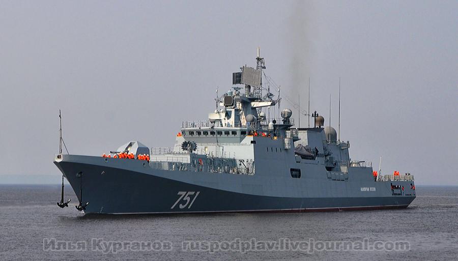 Фрегат «Адмирал Эссен» проекта 1135.6 в Морском канале
