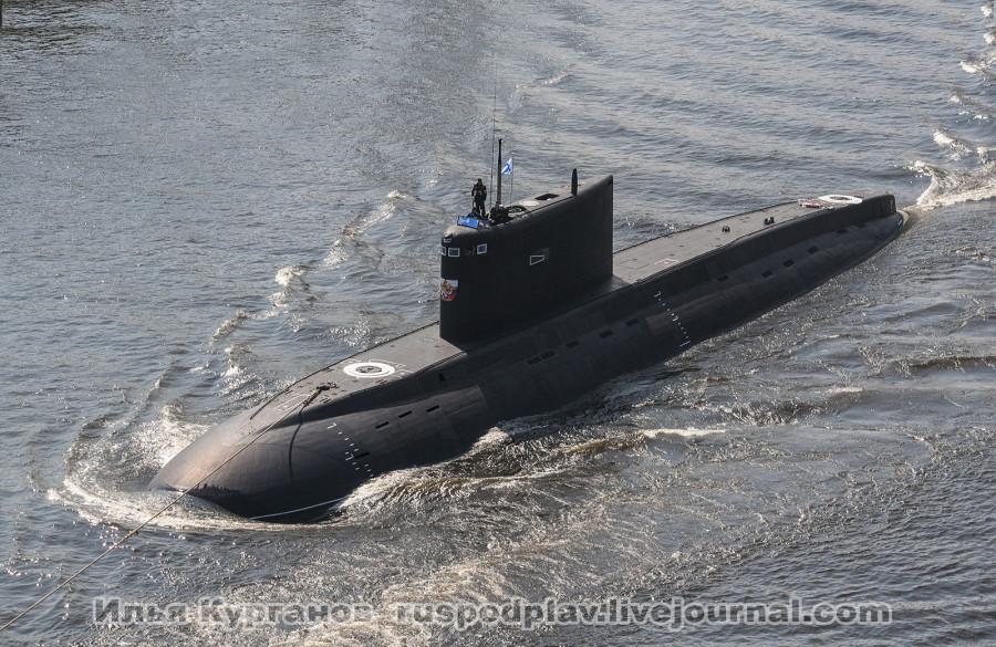 Б-265 «Краснодар» проекта 636.3 в Морском канале