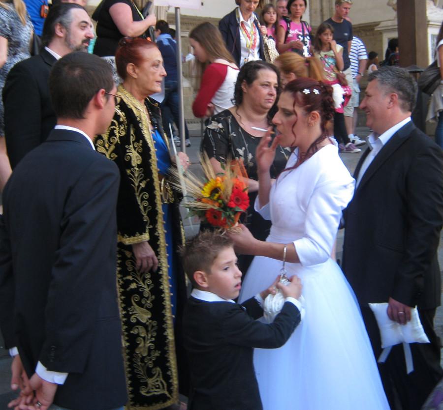 Таких поздравлений на свадьбу я еще не видел