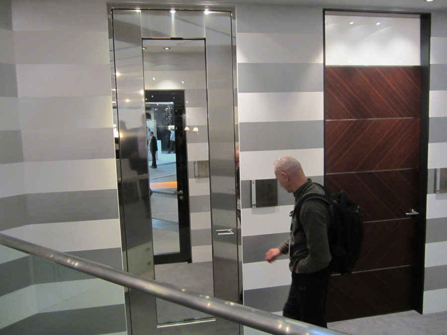 Высокие дверные конструкции с фрамугой и без Schoerghuber BAU 2013