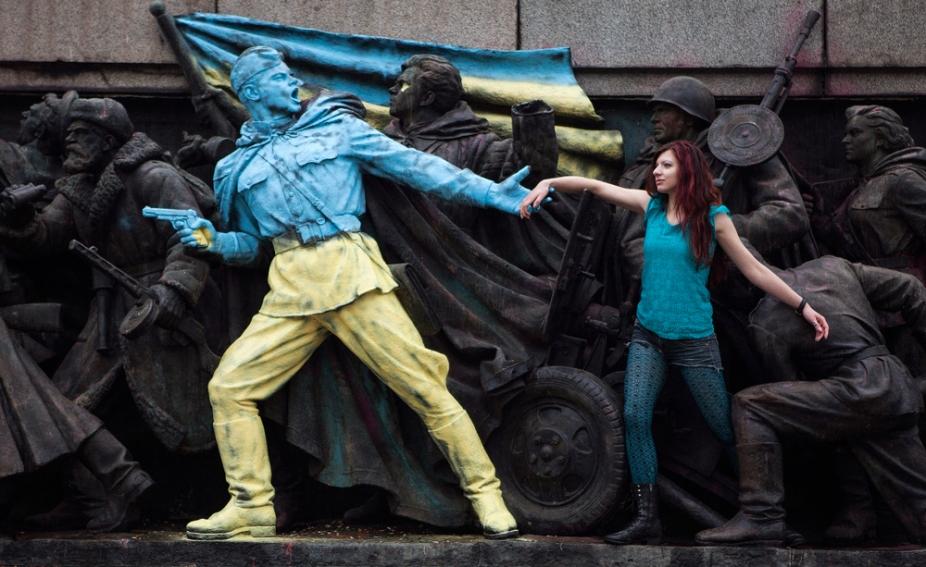 img_pod_2302-ukraine-soviet-monument