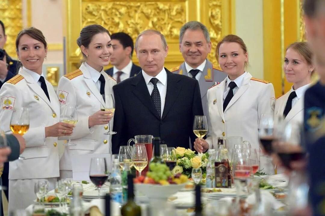http://ic.pics.livejournal.com/russkiy_malchik/23683470/284234/284234_original.jpg