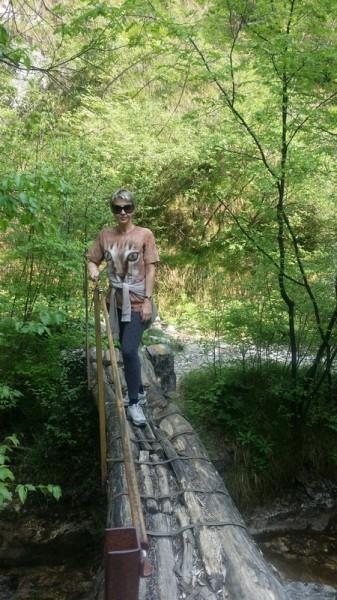 Hiking_resize.jpg