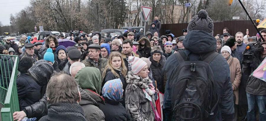 Сход в Ильинском