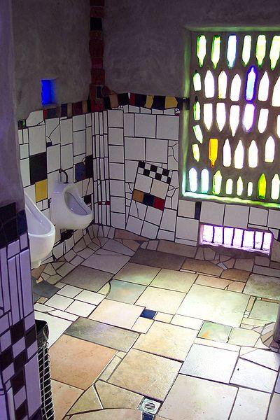 400px-Hundertwassertoilette1