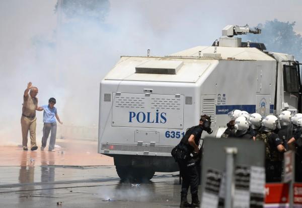 Turkey-Protest_sham-1
