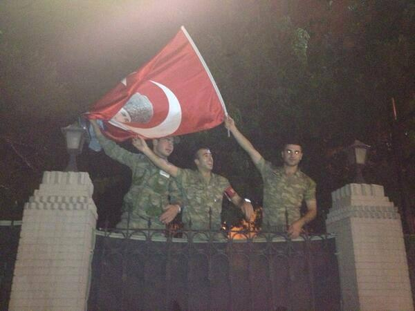 Turkish soldiers showing solidarity with the protesters