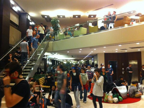 Taksim Sq protesters take refuge from the gas in a nearby hotel
