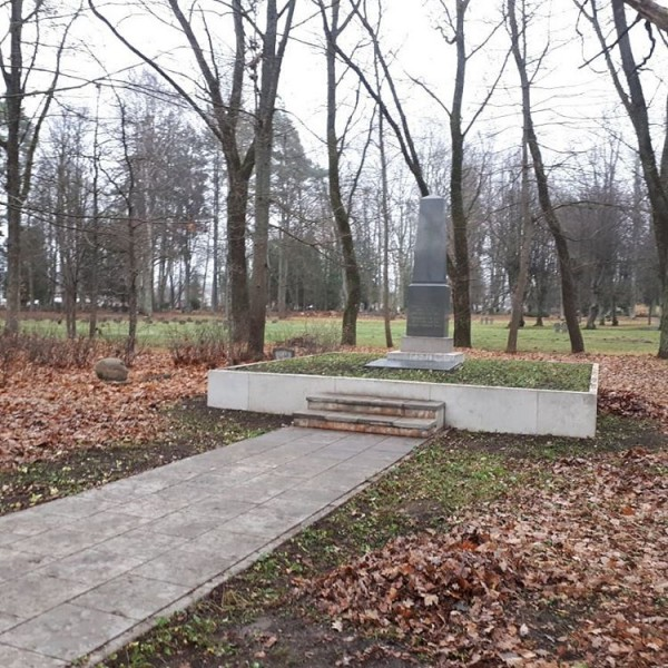 Елгава, Гарнизонное кладбище 02