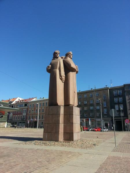 памятник красным стрелкам, Рига