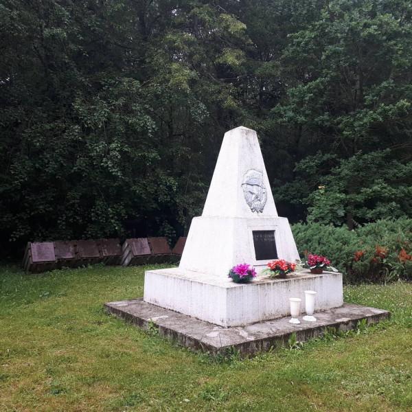 Куршенай, советский воинский мемориал, 2020