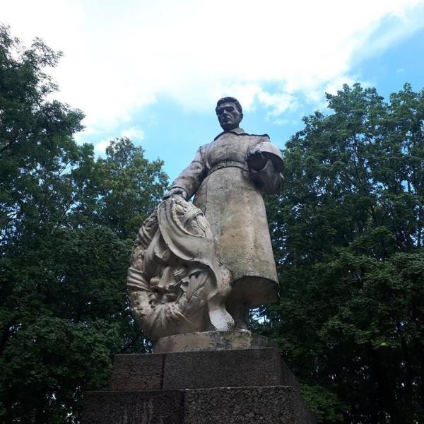 Тельшяй, советский воинский мемориал, 2020