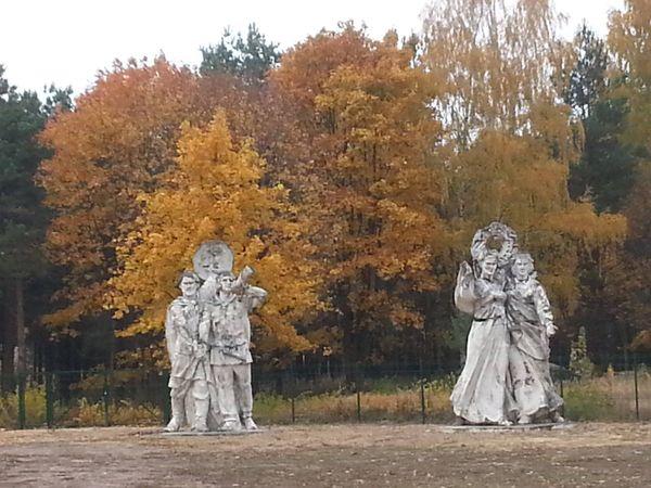 Репрессированные советские памятники в гетто
