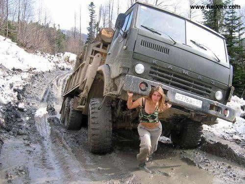 девочка из армии спасения подняла камаз