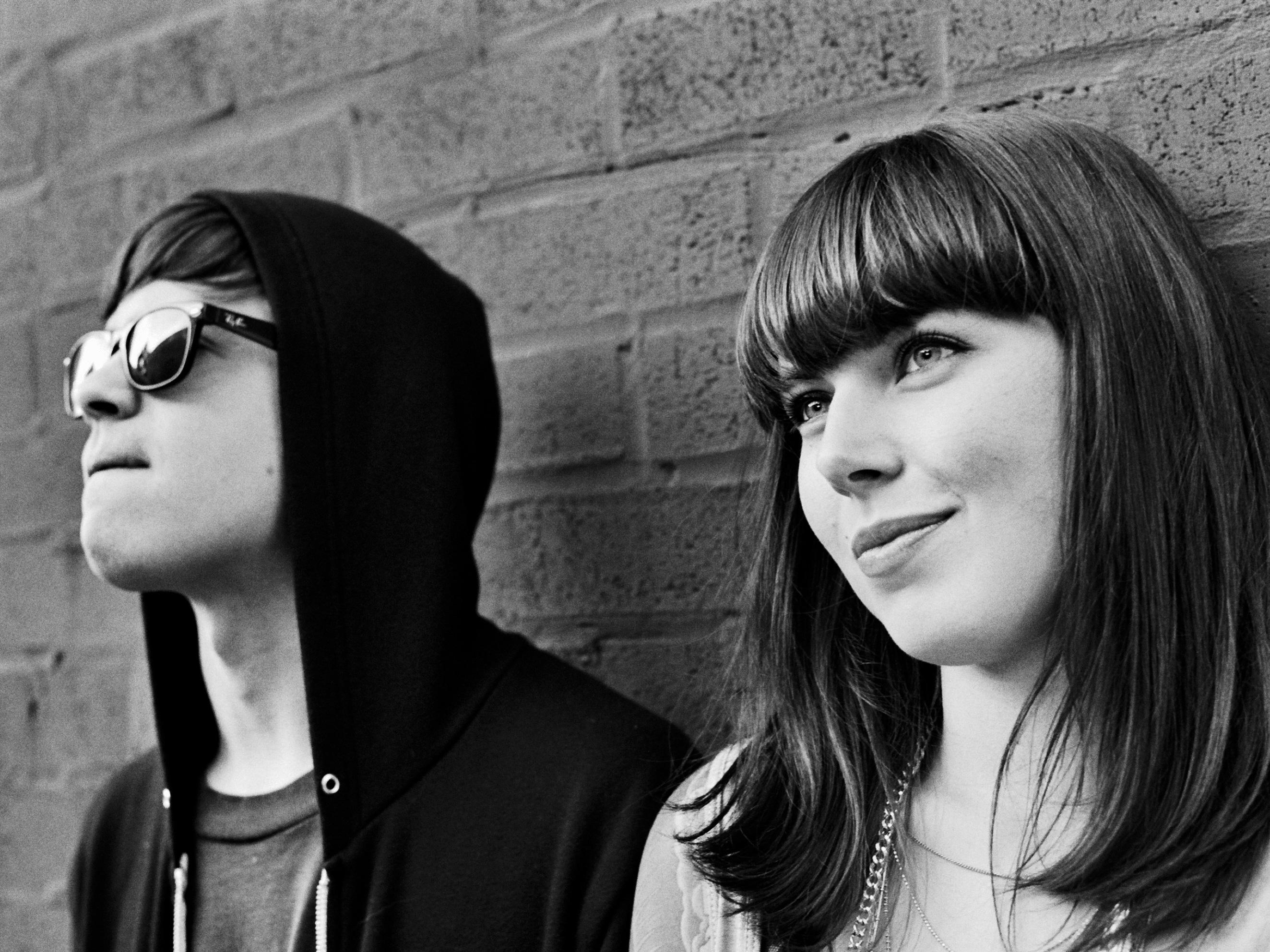Sleigh Bells выпустили дебютный альбом Treats