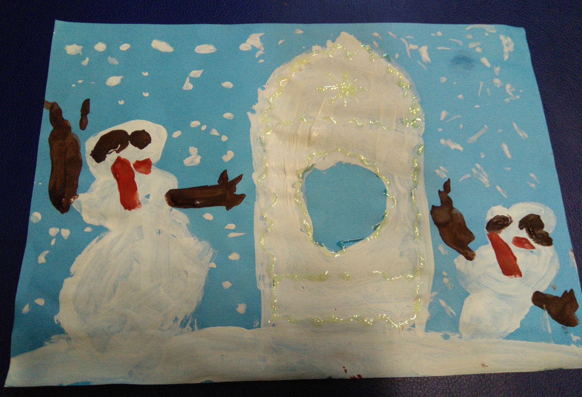 Ледяной дом и снеговики-охранники