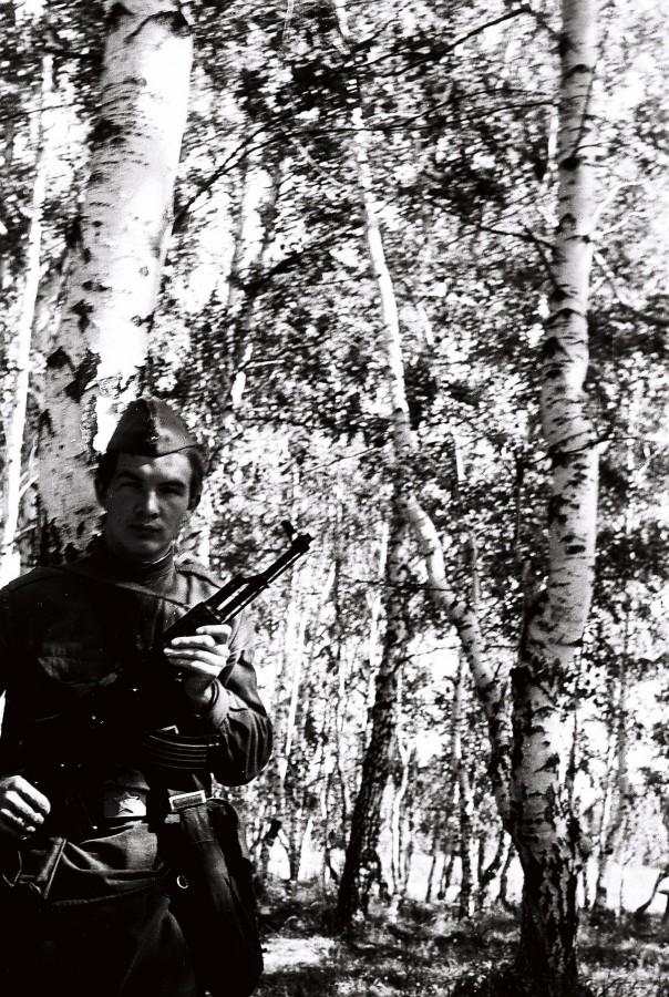 Казань 1976 Фаизов в расп части.jpg