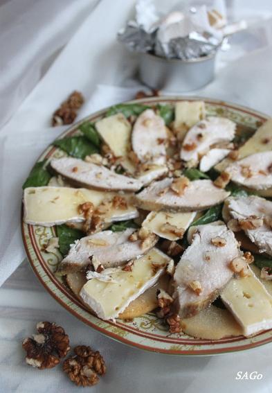 Салат с грушами и сыром бри 008