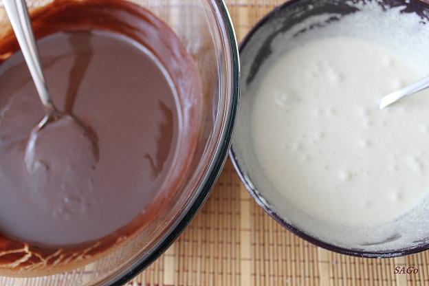 Шоколадный пирог со сливой 001