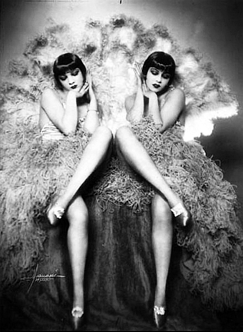 Studio Manasse - portraits of a pair of flappers, 1920s