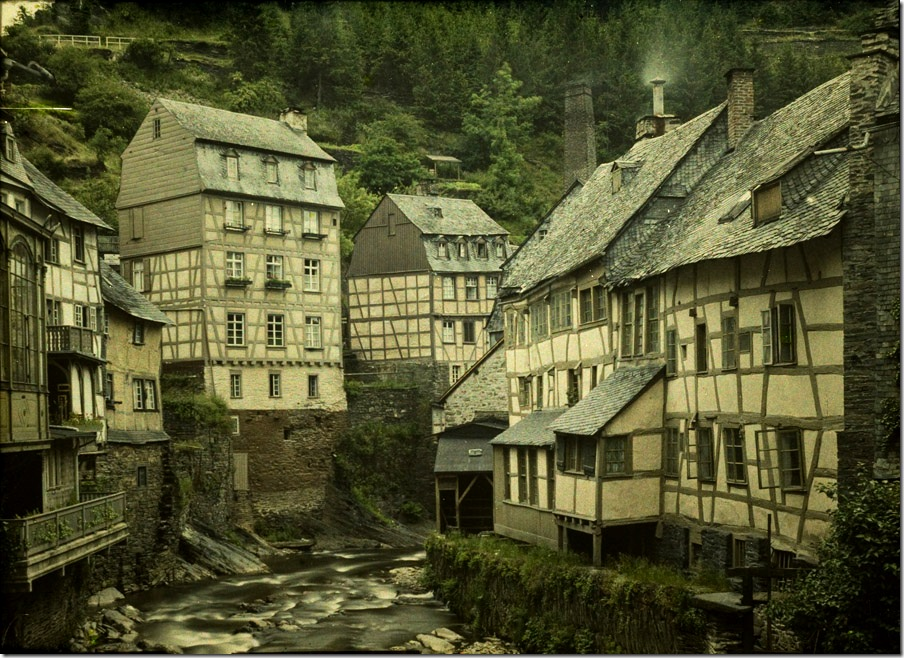 Charles Corbet, View of Montjoie Monschau (D) - c. 1910, autochrome 9 x 12