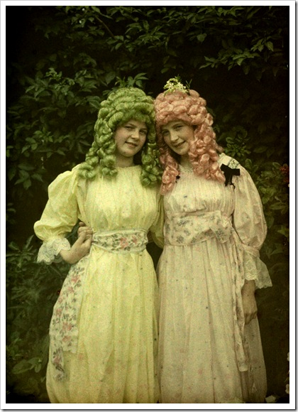 Alfonse Van Besten, Pink and green wigs 1912
